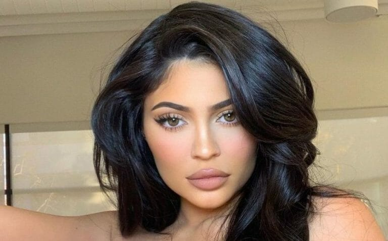 Kylie Jenner Flaunts Her Real Hair in an Instagram Video Wearing a Towel