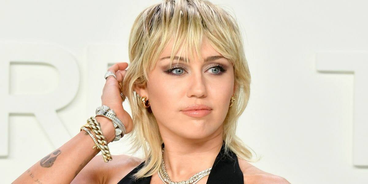 Miley Cyrus Just Got The Edgy Version Of The Rachel Haircut Gizmo Story